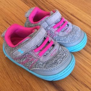 Surprize Stride Rite sneakers